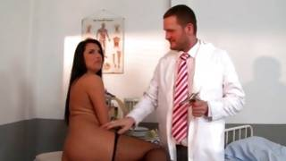 Astounding beauty immersing fleshy cock of foxy doctor